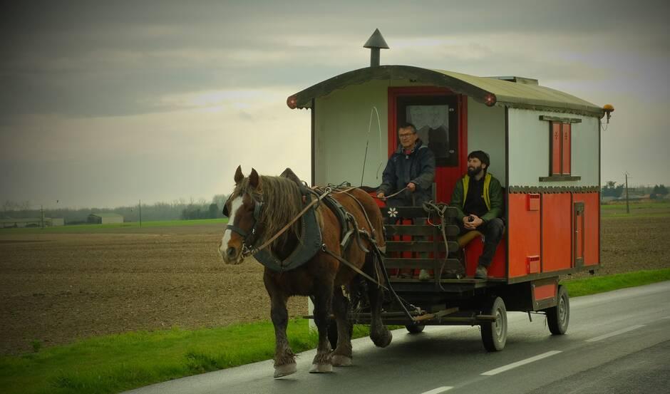 Damvix. Il part sur les routes de Vendée… en roulotte