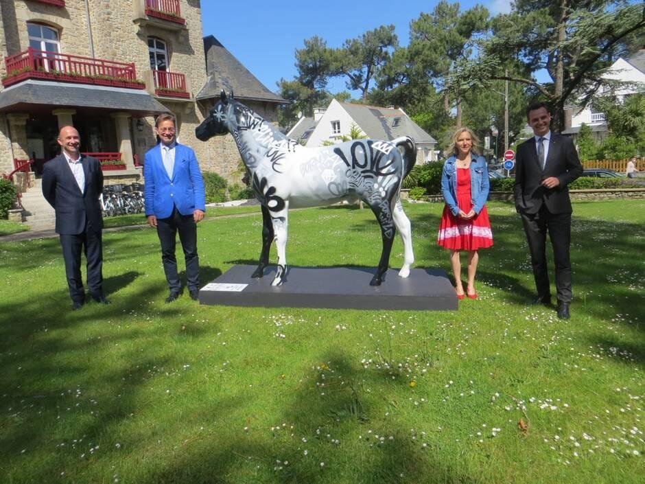 La Baule. Des sculptures de chevaux vendues aux enchères