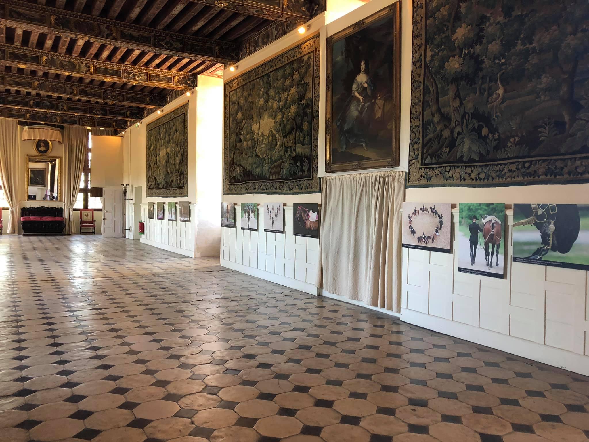 Exposition photographique du Cadre noir de Saumur au Château de Brissac
