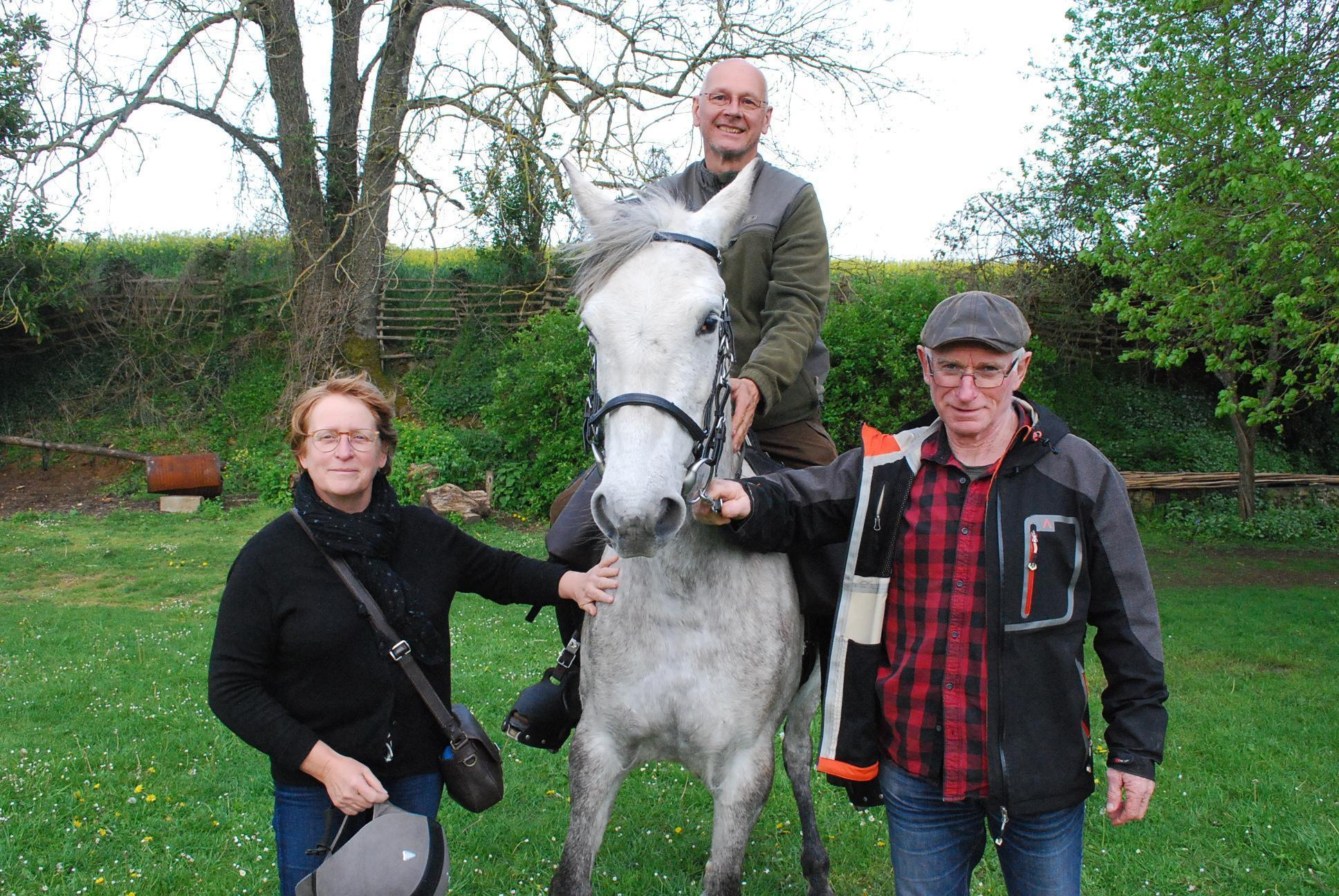 Neuvillalais : en route vers le Mont Saint-Michel à cheval!